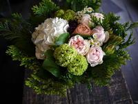 ネイルサロンのオープンに。旭川市23丁目に発送。2017/04/27着。 - 札幌 花屋 meLL flowers