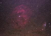 へびつかい座ζ星付近の散光星雲(Sh2-27)と青い馬星雲IC4592) - 安倍奥の星空