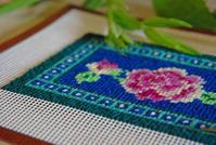 【レッスン参考作品】ニードルポイントのピンクッション(制作中) - 浜松の刺繍教室 l'Atelier de foyu の 日々