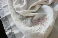 ホワイトリネンアッパーシーツ469 - スペイン・バルセロナ・アンティーク gyu's shop