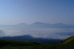 阿蘇くじゅう山群に咲く山野草を見に行ったときに心に残った風景 - 秋桜航空