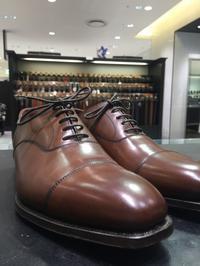 定番オードリーとシューツリーのフィッティング - ルクアイーレ イセタンメンズスタイル シューケア&リペア工房<紳士靴・婦人靴のケア&修理>
