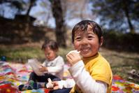 チューリップ公園でピクニック あけぼの山農業公園 - Full of LIFE