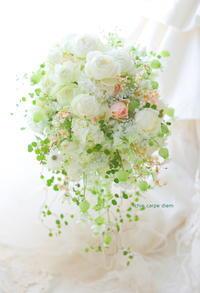 シャワーブーケ なだ万高輪プライム様へ 居木神社様へヘッドドレスとともに - 一会 ウエディングの花