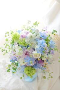 新郎新婦様からのメール 青と紫のクラッチブーケ 八芳園さまへ - 一会 ウエディングの花