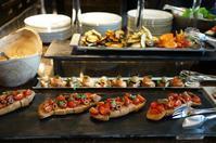 前菜ブッフェの「ピャチェーレ」LUNCH @シャングリ・ラ ホテル東京 - 晴れた朝には 改