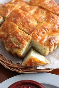 ブロッコリーとチーズのフォカッチャ - オーブン手帖