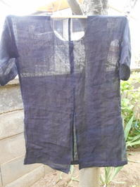 麻のワンピース(襟をどうするか)・・作るのを放棄したパンツ(解きます) - 藍ちくちく日記