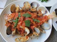 メバルとアサリのトマトソース煮&空豆とグリーンピースのサラダ - やせっぽちソプラノのキッチン2