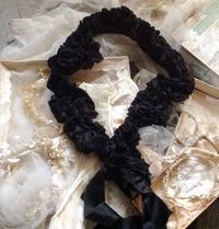 パリの蚤の市から*シルク生地襟巻き、チュールスカート、ハンドバッグなど - BLEU CURACAO FRANCE