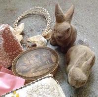 パリの蚤の市から*ガーリーなボックス色々とウサギさん - BLEU CURACAO FRANCE
