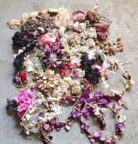 パリの蚤の市から*沢山の布花とスミレボックス - BLEU CURACAO FRANCE