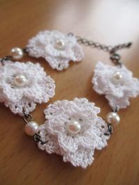 お花モチーフのブレスレット - Atelier-gekka ハンドメイドのおはなし