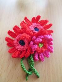 ガーベラの花束モチーフ - Atelier-gekka ハンドメイドのおはなし
