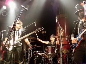 5月LIVEいよいよ明日!! - hard rock comic