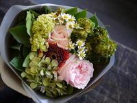 ご結婚25年のお祝いに。フレンチのお店からお客様へ。2017/05/04。 - 札幌 花屋 meLL flowers