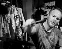 Øyvind Hegg-Lunde - Building Instrument と Erlend Apneseth Trio 二組のバンドのドラマー - タダならぬ音楽三昧