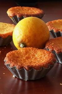 レモンとダークラムの香りのマドレーヌ - Baking Daily@TM5