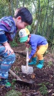 タケノコ掘り - どんぐり山の子どもたち-どんぐり山共同保育園-