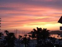 ゴールデンウィーク最後にちょっと切ない夕陽 - パームツリー越しにgood morning        アロマであなたの今に寄り添うブログ