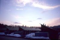 夕暮れの炭住街 - 萩原義弘のすかぶら写真日記