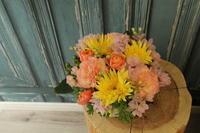 母の日のアレンジメント 配送 - 北赤羽花屋ソレイユの日々の花