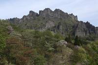 妙義奇岩に桜映えて  - 風の彩り-2