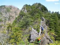 奥秩父 両神山の失われた路から狩倉岳へ     Karikuradake in Chichibu-Tama-Kai National Park - やっぱり自然が好き