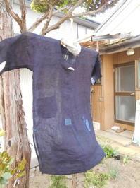 麻のワンピース(襟なし)、脇にスリット、ポケットは後ろに - 藍ちくちく日記