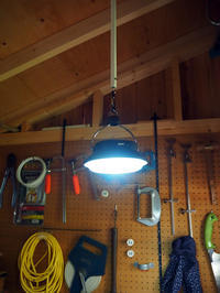 電球型、UFO型ソーラーライトの使い心地と夜の小屋 - 暮らしをつくる、DIY*スプンク