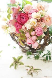 個性あふれる和ばらレッスン - お花に囲まれて