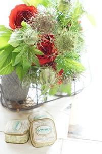 和ばらレッスンの合間にアイロニー花体験レッスン - お花に囲まれて