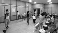 障害のある人で作るうじゃりの場@東京〜vol.2 からだで遊ぼう おしらせ - ハローハロー、こちら 即興楽団UDje( ) ブログです。