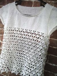 小花のセーター編みあがり - D-E