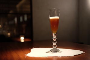 『バカラのグラスで愉しむ馨華(しんふぁ)の世界』 - 馨華献上銘茶・世界遺産からの恵み、唯一無二の慶びをあなたに!