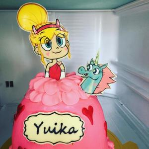 悪魔バスター★スターバタフライ のドールケーキ (キャラチョコの支柱のつけ方も) - 幸せなトカゲ    ~おもにケーキをつくってます