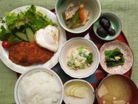 チキンカツ&目玉焼き★(^^♪・・・・・700円ランチ - 日だまりカフェ
