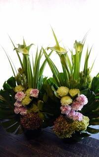お供えのアレンジメント。一対で。2017/05/09。 - 札幌 花屋 meLL flowers