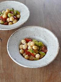 ひよこ豆とプチトマトのサラダ - うつわや店主の日々ごはん