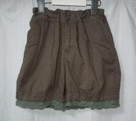 310.カーキショートパンツ - フリルの子供服