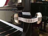 ピアノの蓋にストッパーをつけました!! - takatakaの日記