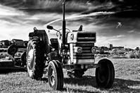『 Massey-Ferguson MF165 Tractor 』 - 『  いなせなロコモーション♪  』