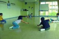 床全面をゲーム盤に〜ビー玉の造形 - キッズクラフト子ども絵画造形教室・大阪市淀川区と豊中・箕面