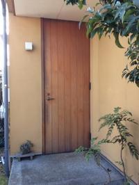 木製玄関ドアの塗装の時期は??? - 現場のことは俺に聞け!~東村山市 相羽建設の現場ブログ~