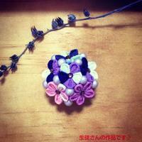 プチつまみ細工教室 紫陽花の帯留め - つまみ細工 ヒイナゴト