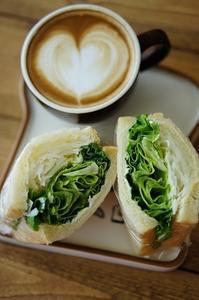 ラテと朝食 - choco cafe* パン教室
