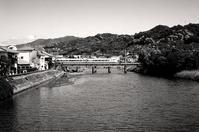 鉄橋を渡る之図 - Life with Leica
