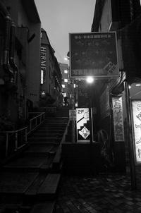 東京 2017 05 B&W #14 - Yoshi-A の写真の楽しみ