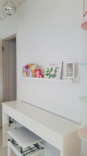 子供部屋にIKEAの飾り棚と、猫の落ち着く居場所♪ - ねことおうち
