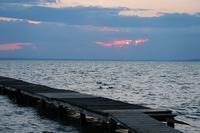 夕日がのぞき見トラジメーノ湖 - ペルージャ発 なおこの絵日記 - Fotoblog da Perugia